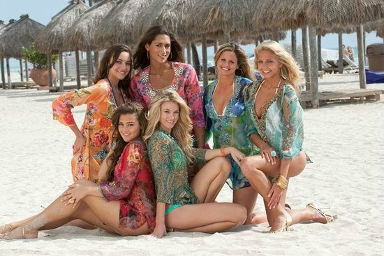 Pepita's Magic of the Moon: Girls at the beach in our tunics