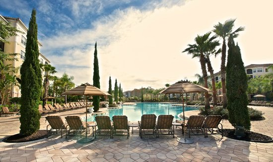 WorldQuest Orlando Resort: Pool Overview