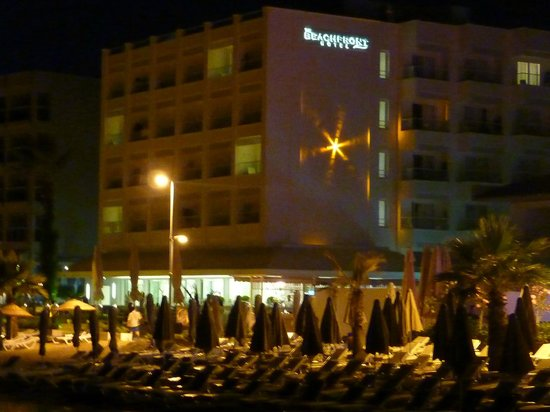 Sunprime Beachfront Hotel : The Beachfront Hotel at Night