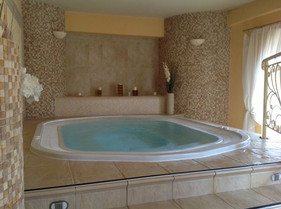 Grand Hotel Stamary: Jaccuzi/Hot tub in the Spa