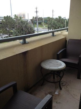 DoubleTree by Hilton Hotel and Executive Meeting Center Palm Beach Gardens: gross balcony in room 327