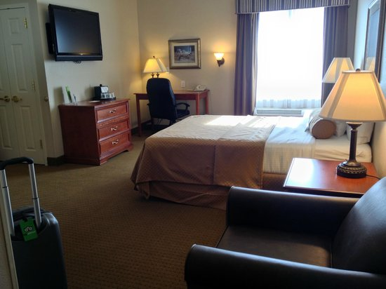 La Quinta Inn & Suites St. George: queen bed in 2 room suite