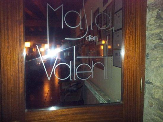 La Masia d' en Valenti : entrada a la masia