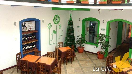 La Cite Hostal: Restaurante, sección colonial.