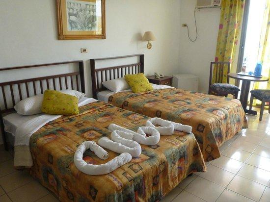 Hotel Faro Luna: Chambre