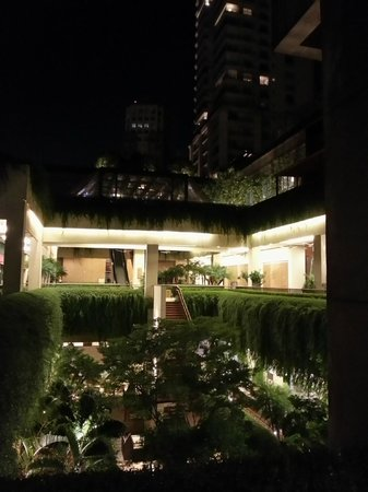 Due Cuochi Cucina Shopping Cidade Jardim: Vista interna do Shopping Cidade Jardim;