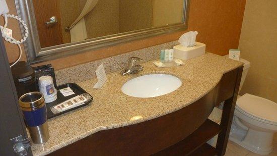 Comfort Inn Cheektowaga : Coffeemaker in spacious bathroom