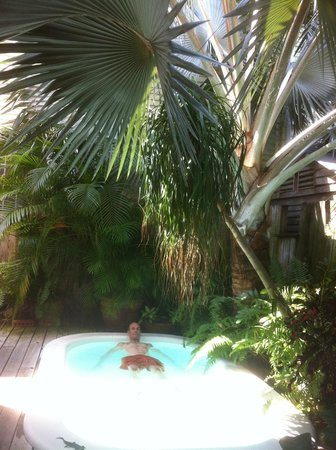 Key West Bed and Breakfast: Relaxing  on patio