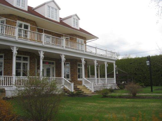 Une maison de 115 ans photo de chez truchon bistro for Auberge de la maison tripadvisor