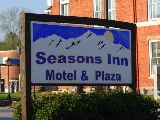 ‪‪Seasons Inn‬: Seasons Inn‬