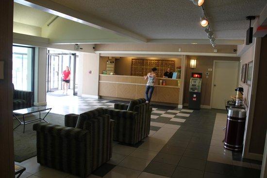 La Quinta Inn & Suites Virginia Beach : Reception