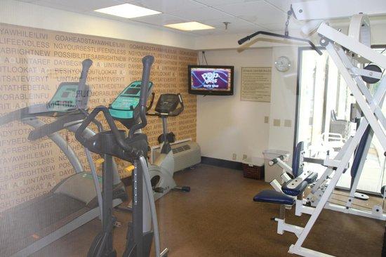 La Quinta Inn & Suites Virginia Beach : Fitness room