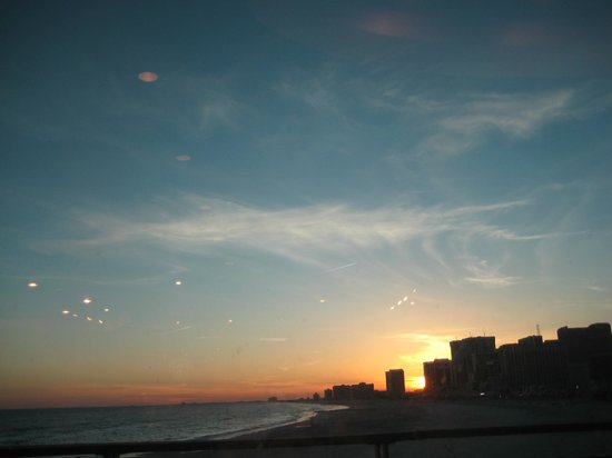 Ramada West Atlantic City: Sunset in Atlantic City