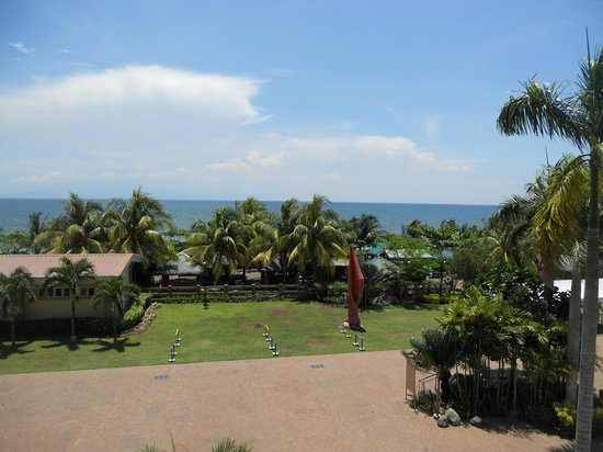 Tanza's Oasis Hotel and Resort: Refreshing view