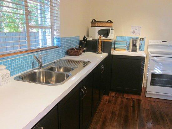 Hobart Gables: Kitchen