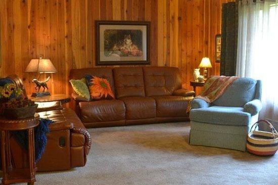 Swan Hill Bed & Breakfast: Swan Hill B&B Dend + TV Room