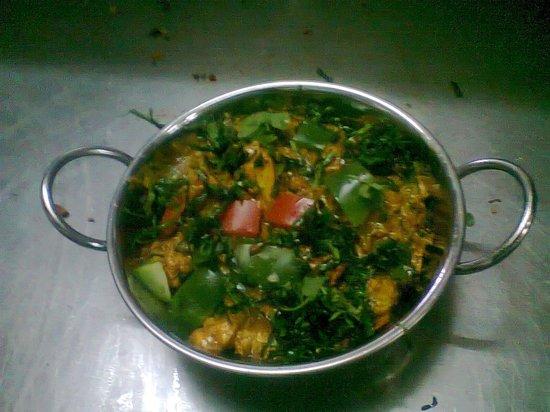 Tamarind Indian Cuisine : palak methi chicken