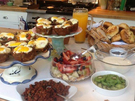Lavender Inn: Eggs in a Basket