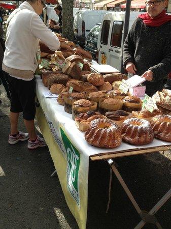 Hotel Mogador: Saturday's farmer's market