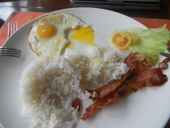 TipTop Hotel & Resort: Filipino Breakfast