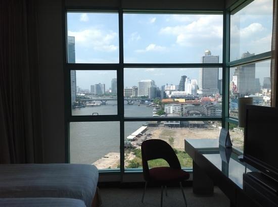 Chatrium Hotel Riverside Bangkok: vue de la chambre 1402