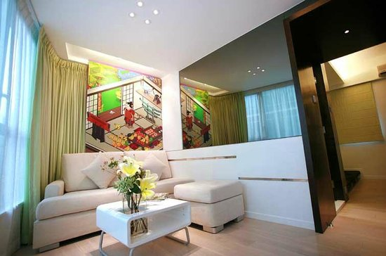 Knight on Wyndham Serviced Residence: 11/F Living Room