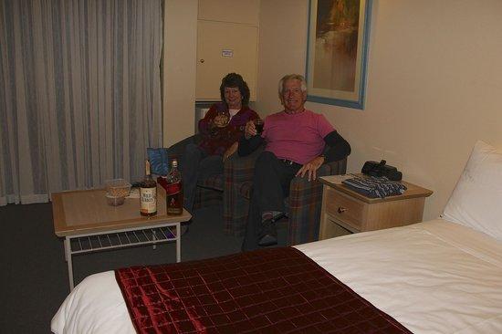 Berri Hotel : interior motel room