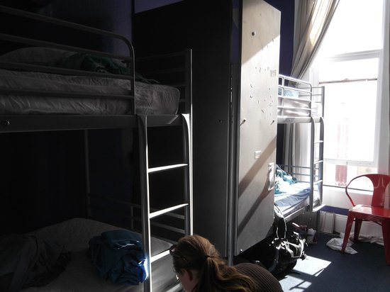 USA Hostels San Diego: The Room