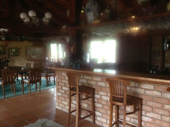 Mudbrick Manor: Honesty Bar