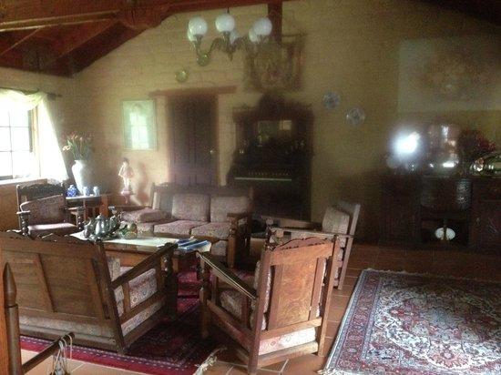 Mudbrick Manor: Lounge Area