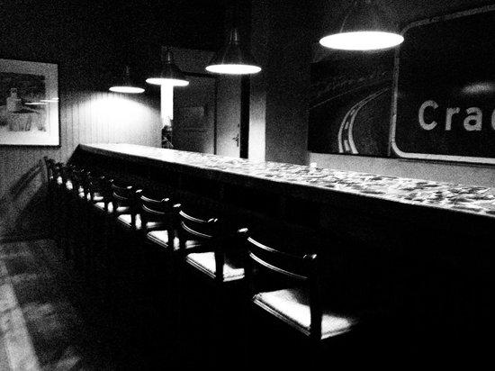 Graskop Hotel: Coole Bar mit einen freundlichen, lustigen Barkeeper