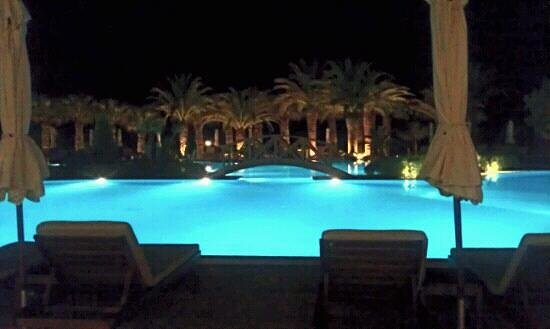 Sani Beach: pool in the evening x