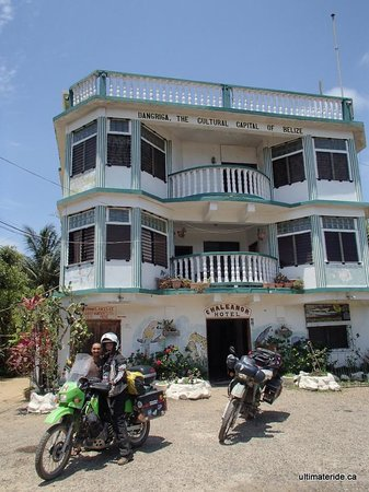 Chaleanor Hotel: Bikes kept safe. Thanks Chaleanor!