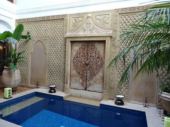 Riad Dar Beldia : Espace bassin