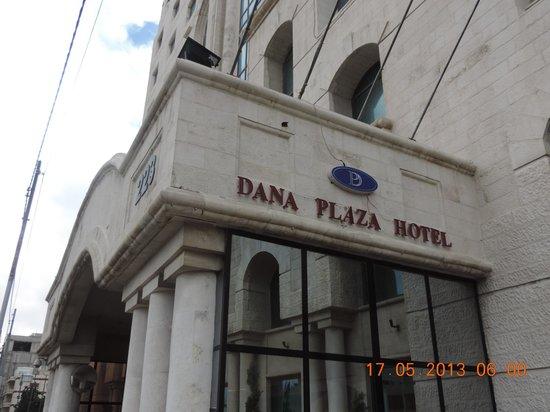 Dana Plaza Hotel: Frontage