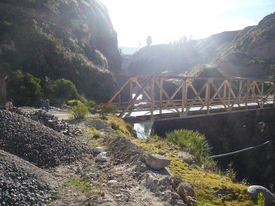 Colca Lodge Spa & Hot Springs - Hotel: Vehicle Cross Bridge
