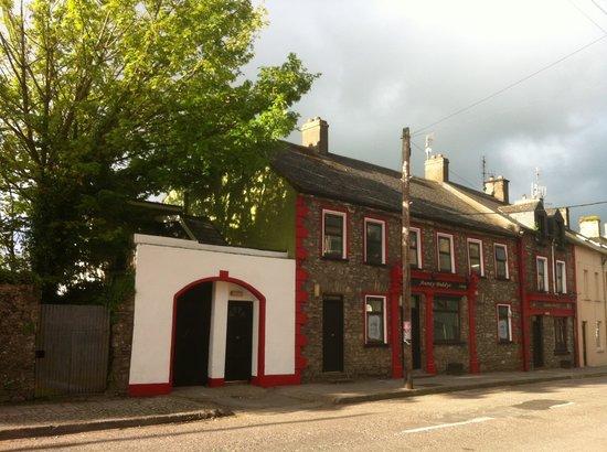 Cloyne, Ireland: getlstd_property_photo