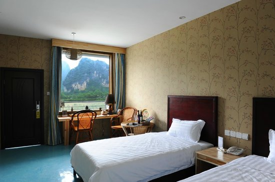 CTN Karst Inns: Bedroom with nice view