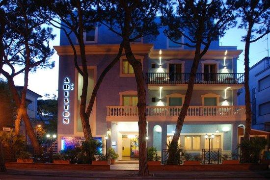 Hotel Ariston: Versione le Mille e una Notte