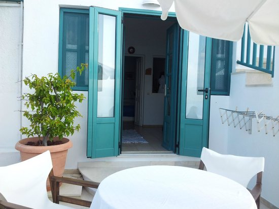 Strogili Traditional Houses : entrance