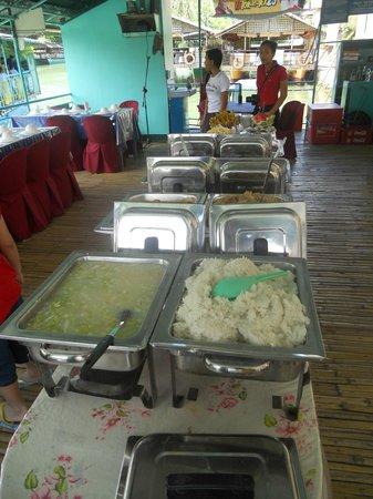 Loboc River Cruise: Buffet
