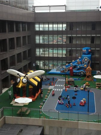 Silks Place Yilan: Kids playground at 8/F, with staff to look after kids and the facilities.