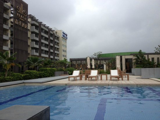 Silks Place Yilan: The outdoor pool