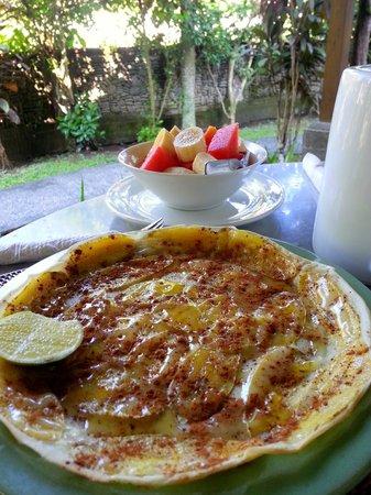 Kebun Indah: Breakfast - Banana pancakes