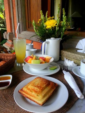 Kebun Indah: Breakfast - Banana Jaffle, fruit bowl, fresh juice & coffee/tea
