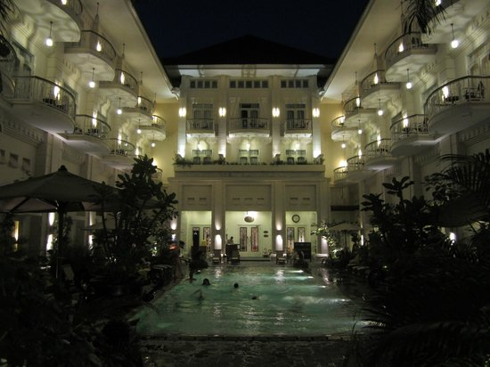 The Phoenix Hotel Yogyakarta - MGallery Collection: The great pool area