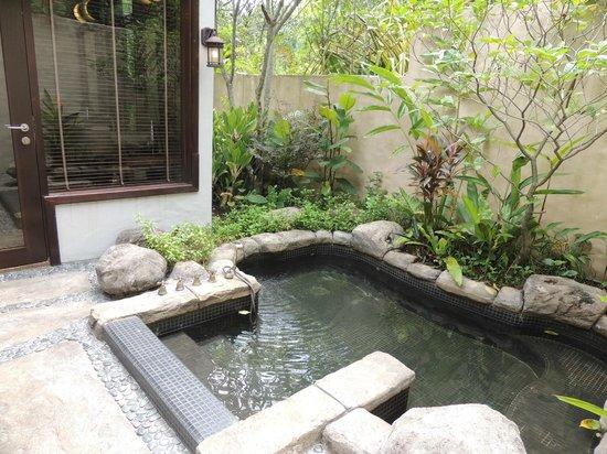 The Banjaran Hotsprings Retreat: geothermal jacuzzi in all villas