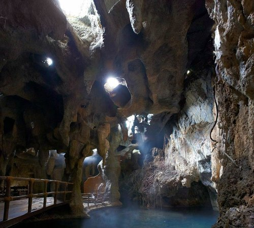 The Banjaran Hotsprings Retreat: steam cave