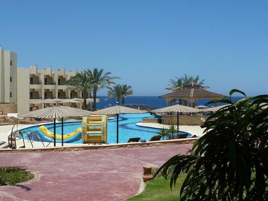 Coral Hills Resort Marsa Alam: Вид на бассейн