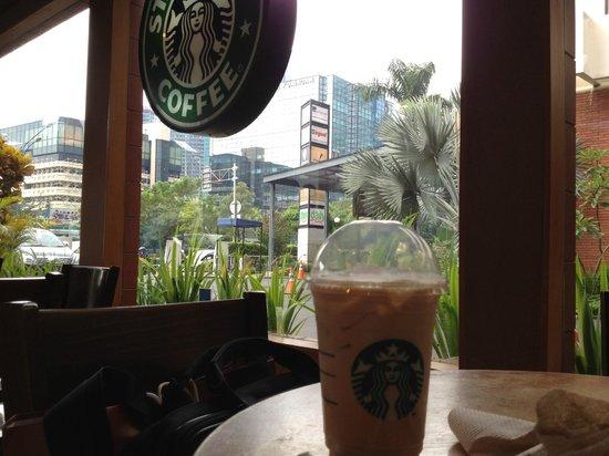 Starbucks : Iced Latte